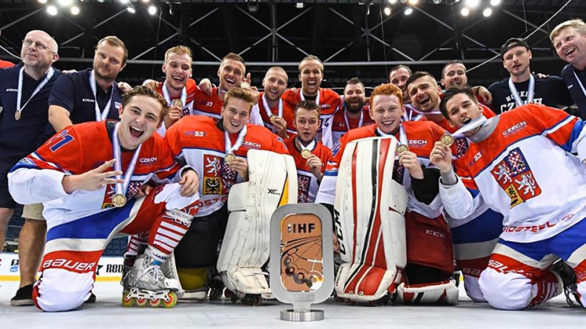 Česká reprezentace bronz foto Český inline hokej